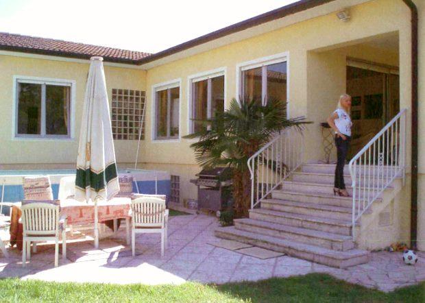 villa am gardasee kaufen vom immobilienmakler h user in lazise italien. Black Bedroom Furniture Sets. Home Design Ideas