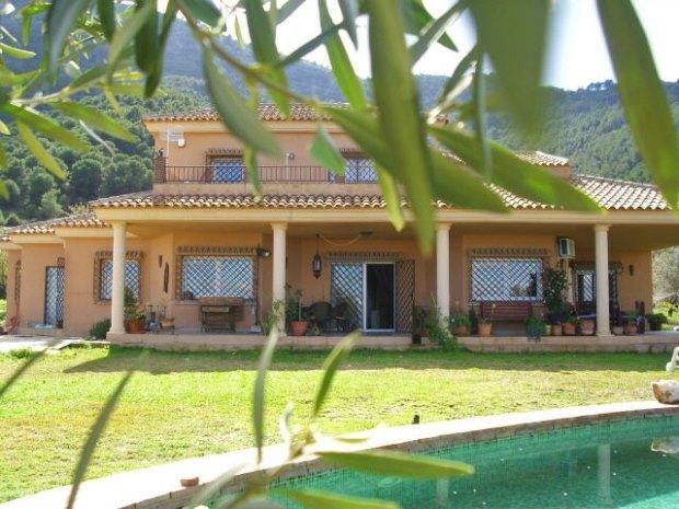 villa mit gaestehaus andalusien spanien kaufen in alhaurin el grande bei malaga. Black Bedroom Furniture Sets. Home Design Ideas