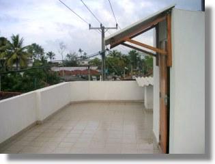 gesch ftshaus an der galle road in hikkaduwa sri lanka zum kaufen. Black Bedroom Furniture Sets. Home Design Ideas
