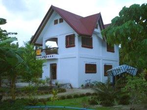 siargao island ferienhaus villa mit grundst ck kaufen bei general luna. Black Bedroom Furniture Sets. Home Design Ideas
