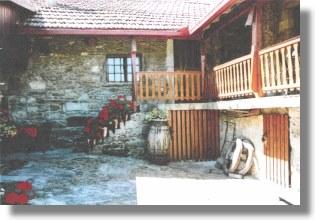 bauernhaus bauernhof in portugal bei vila nova de cerveira. Black Bedroom Furniture Sets. Home Design Ideas