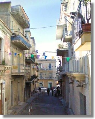 stadthaus in palagonia auf sizilien kaufen vom immobilienmakler einfamilienh user. Black Bedroom Furniture Sets. Home Design Ideas