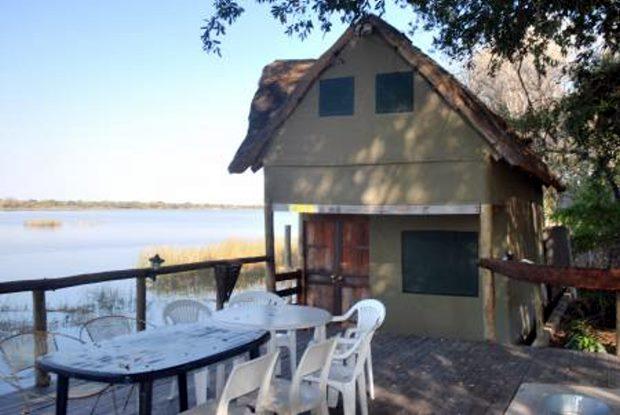 ferienh user in botswana bei maun okavango delta lodge kaufen vom immobilienmakler. Black Bedroom Furniture Sets. Home Design Ideas