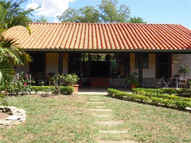 paraguari einfamilienh user kaufen in paraguay immobilienmakler ferienh user. Black Bedroom Furniture Sets. Home Design Ideas