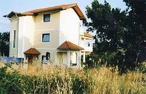 bauernhaus wohnhaus portugal ferienh user kaufen vom immobilienmakler. Black Bedroom Furniture Sets. Home Design Ideas